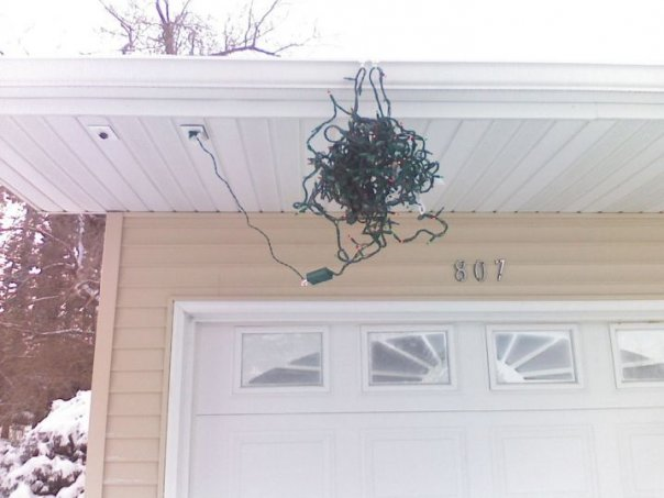 christmas-lights-on-house-wadded-up
