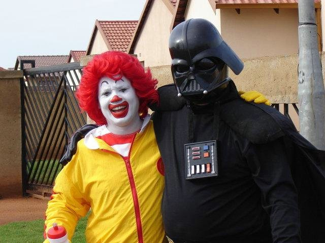 darth-vader-friends-with-ronald-mcdonald
